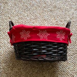 Small Snowflake Basket